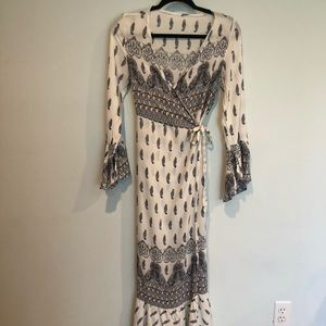 Dresses & Skirts - Beautiful BOHO long, floral summer dress
